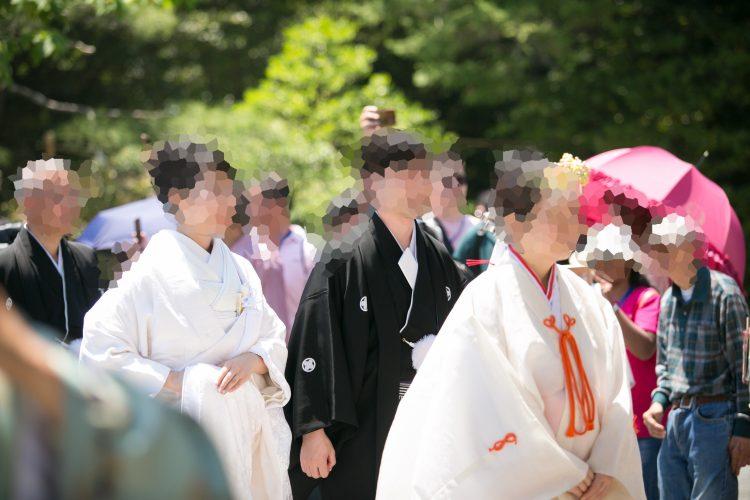 神前式・鶴岡八幡宮の参道を歩く
