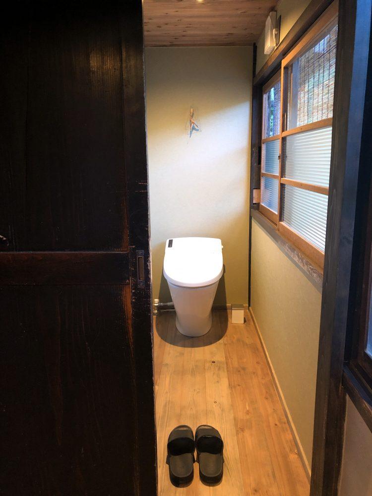 「NIPPONIA 小菅 源流の村」の部屋のトイレ(OHYA3)