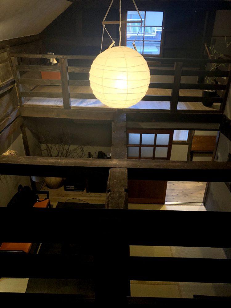 「NIPPONIA 小菅 源流の村」の部屋の寝室から見た景色(OHYA3)