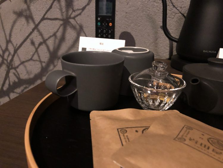 「NIPPONIA 小菅 源流の村」の部屋のマグカップ(OHYA3)