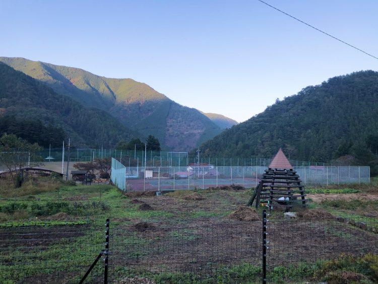 「NIPPONIA 小菅 源流の村」のお散歩アクティビティの風景