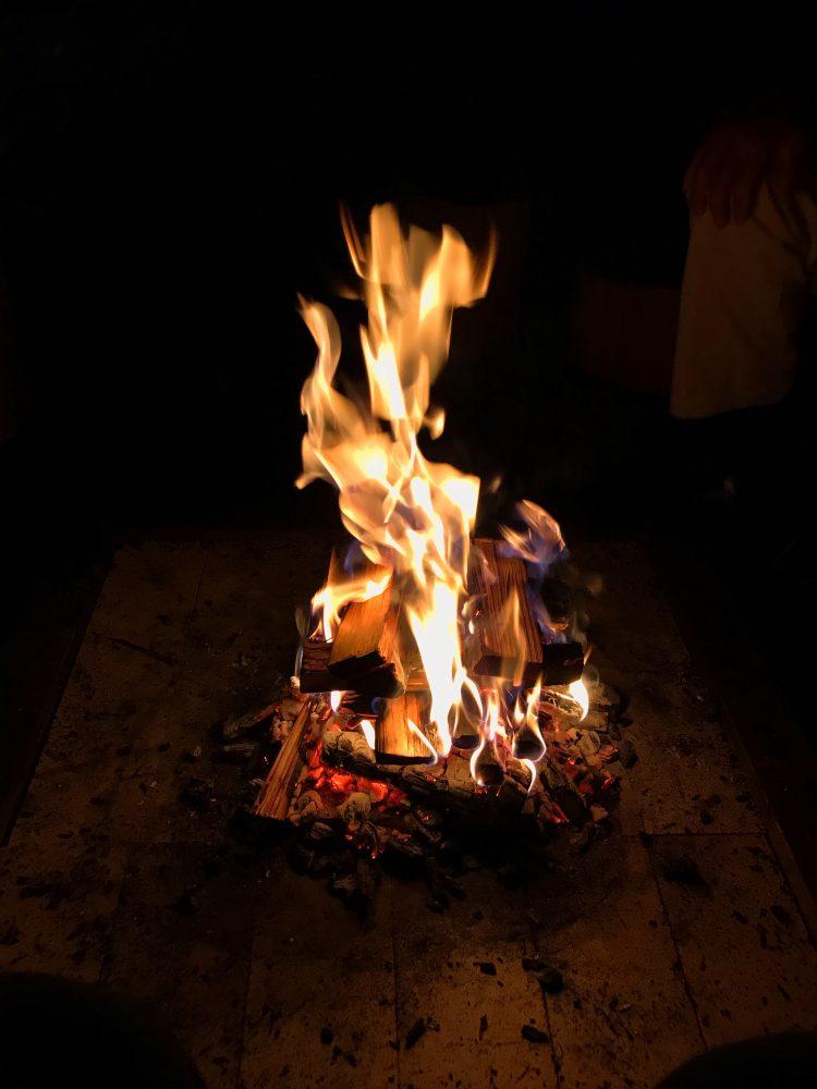 「NIPPONIA 小菅 源流の村」の焚き火